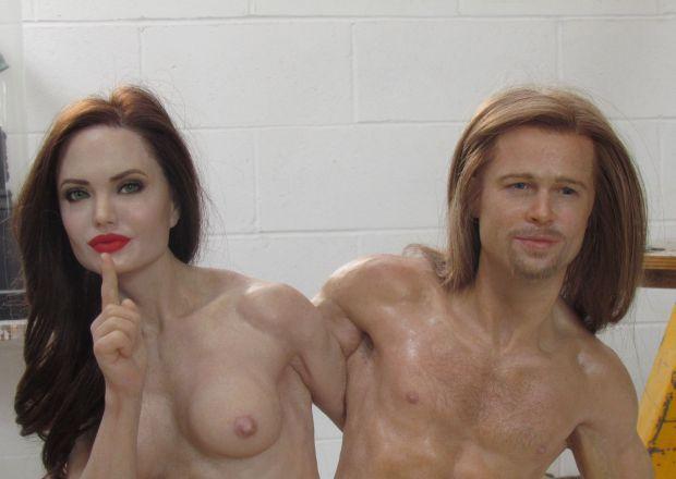 НаeBay виставили воскову фігуру голих Джолі і Пітта (ФОТО 18+)