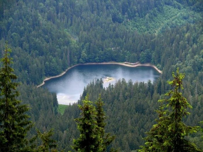 Цікаві факти про Синевирське озеро