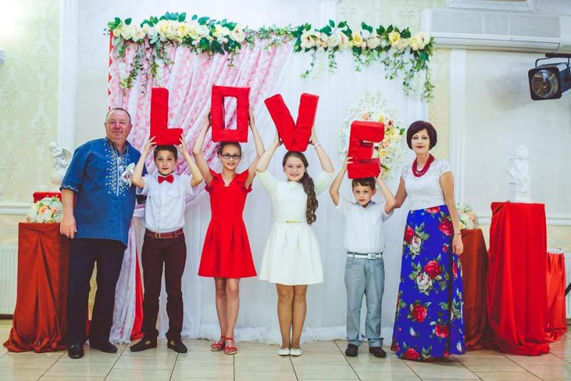 Народний тамада з Хуста: «Весілля вдалося тоді, коли гості гуляють до білої днини»