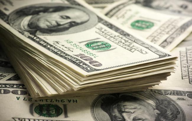Долар здорожчав, а євро здешевшав укурсах Нацбанку насереду. Інфографіка