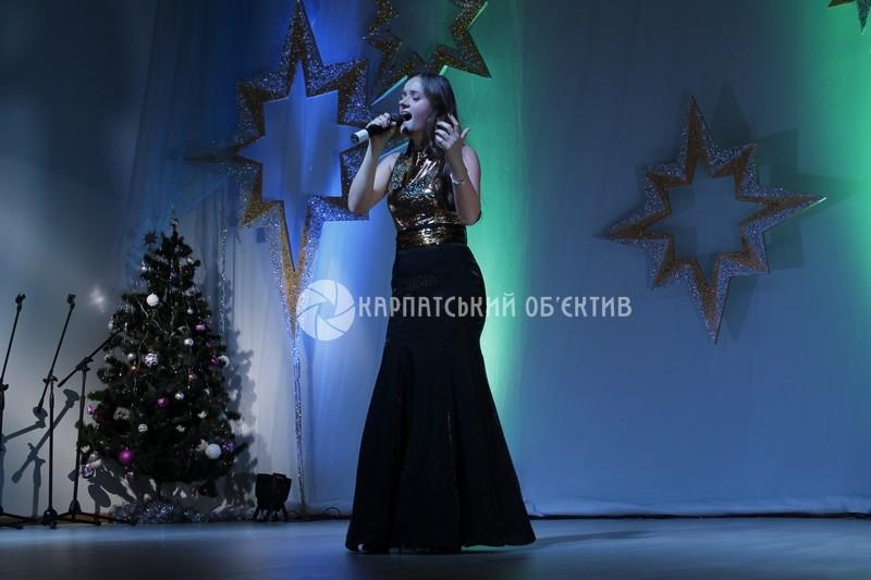 """""""Різдвяна зіронька 2018"""" визначила найкращих вокалістів. ФОТО"""