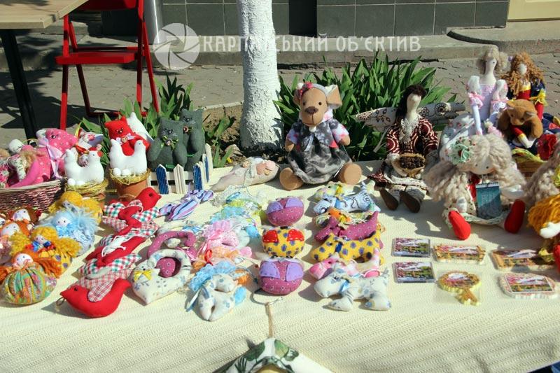 В Ужгороді відбувся хенд-мейд ярмарок, присвячений темі сакур. ФОТО