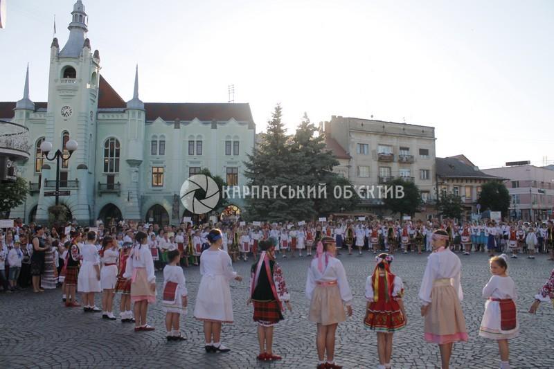 Фестиваль талантів «Смарагдові витоки» розпочався у місті над Латорицею. ФОТО