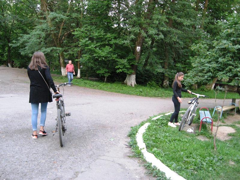Подорожуючи Закарпаттям. Парк Богдана Хмельницького в Буштині займає 5 гектарів. ФОТО