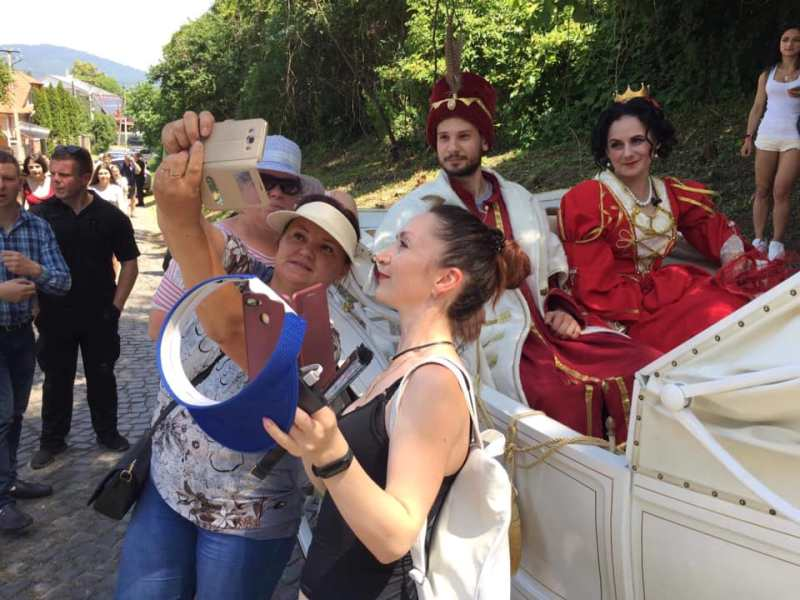 В «Паланку» одружуються Зріні та Текелі