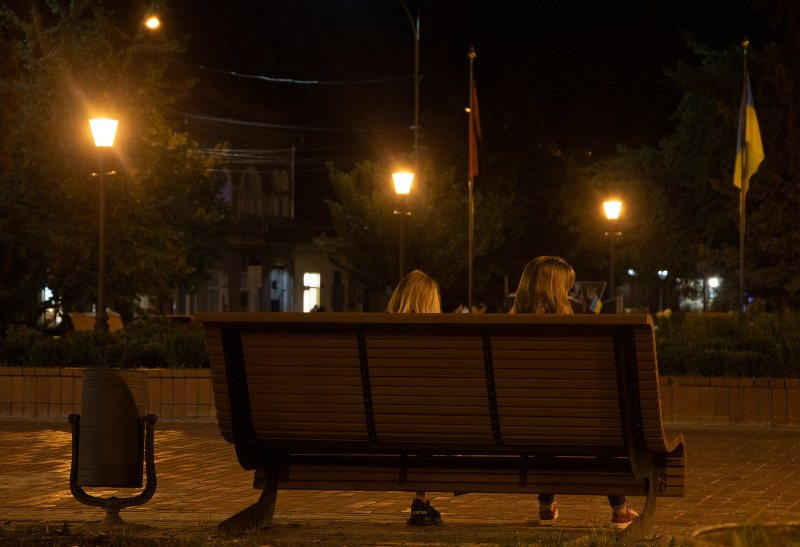 На площі Шандора Петефі в Ужгороді оновили освітлення (ФОТО), фото-3